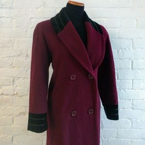 Beautiful Vintage Wool Trench Coat, LIKE NEW!!